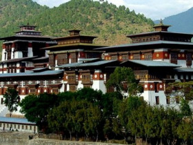不丹的幸福不是膚淺的;不丹式的幸福最核心的二字便是「平衡」!
